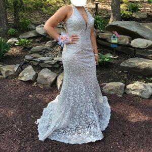 2019 Ellie Wilde Mon Cheri Prom Gown - Size 10
